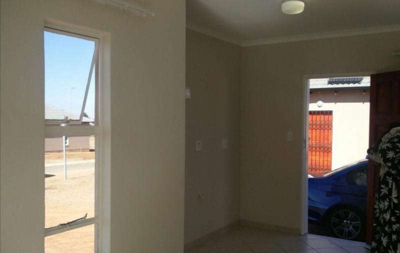 Property For Rent in Crystal Park, Benoni 5