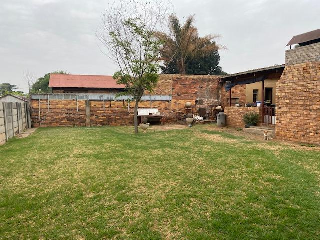 Property For Sale in Selection Park, Springs 13