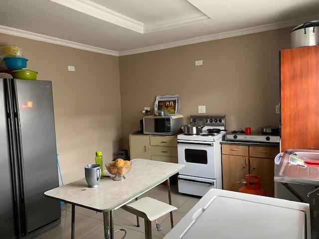 Property For Sale in Blue Gum View Ext 4, Duduza 10