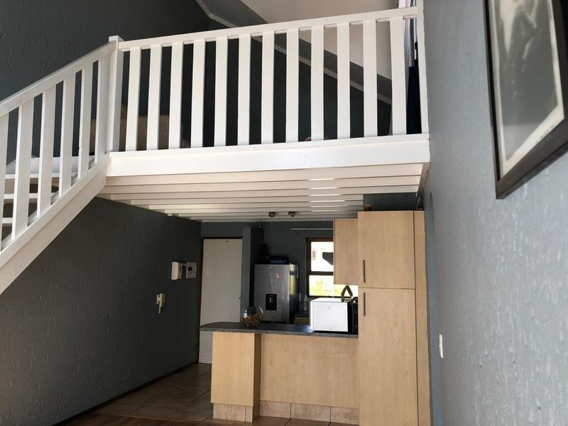 Apartment / Flat For Rent in Lonehill, Sandton