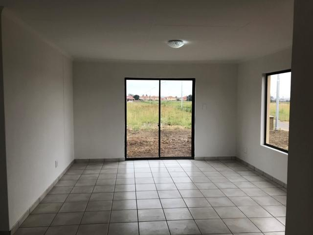 House For Sale in Selcourt, Springs