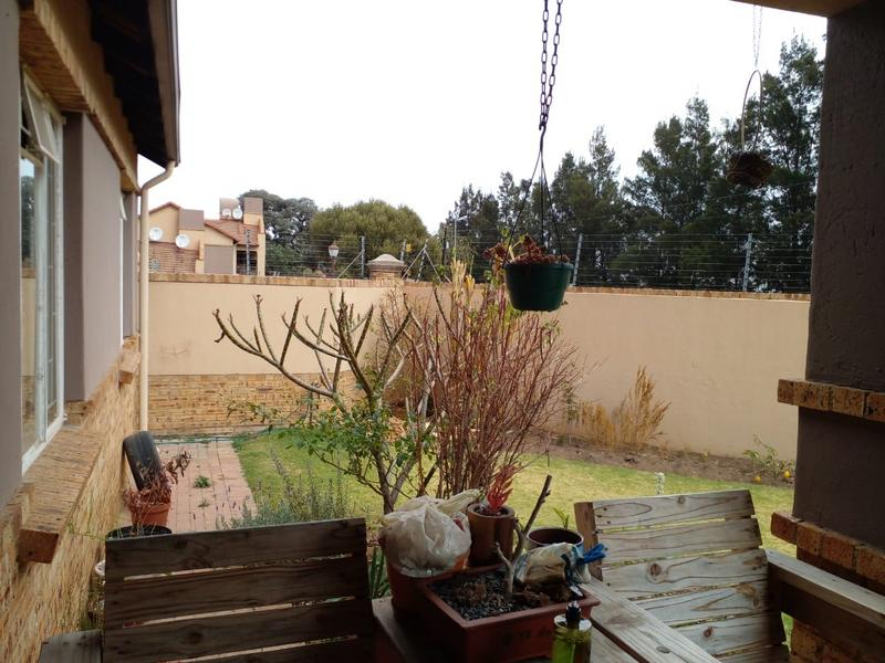 Townhouse For Sale in Noordwyk, Midrand